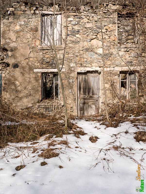 le fort de montgilbert et le blockhaus de roche brune 1469 m depuis les granges le pontet. Black Bedroom Furniture Sets. Home Design Ideas